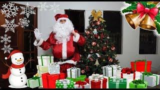 PAPAI NOEL TROUXE PRESENTES PARA AS CRIANÇAS - Árvore de Natal e brinquedos