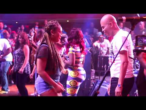 "Sweet micky ""Michel Martelly Live Performance Video ( Santiago de chile ) teatro caupolicant"