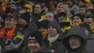 hommage a pierre bachelet par les supporters lensois