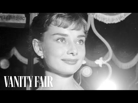 Audrey Hepburn - The Secrets to Her Unique Fashion & Style on Vanity Fair Hollywood Style Star
