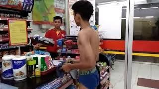 Prank di Alfamart..beli sempak.kondom.kotang