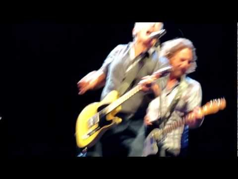 Bruce Springsteen & Eddie Vedder - Darkness On The Edge Of Town - Chicago