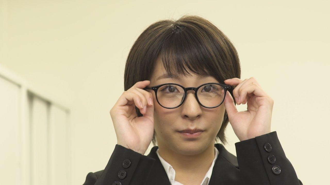 【人気】CM 萌え系メガネ女子