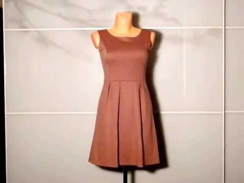 Dámské společenské šaty se sklady mocca - YouTube fbdd8d179a