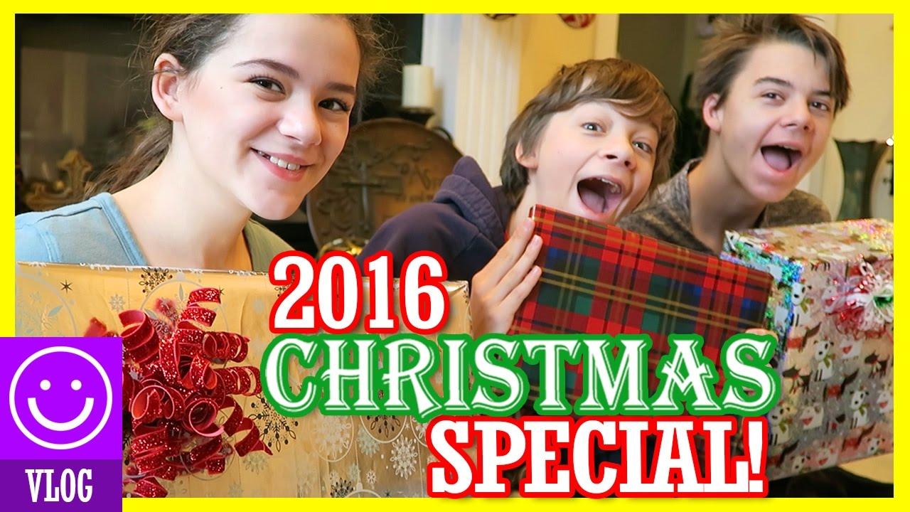 2016 CHRISTMAS SPECIAL! OPENING CHRISTMAS PRESENTS! | KITTIESMAMA ...