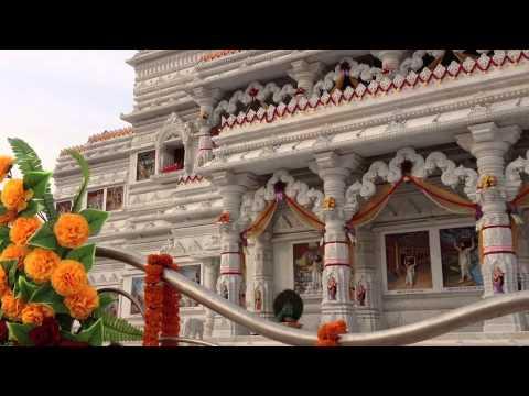 Vrindavan - Prem Mandir von Kripalu Maharaj