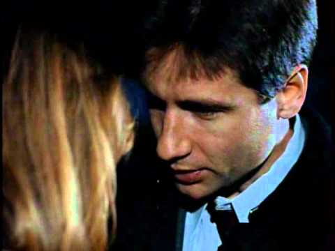 {X-Files} Irresistible-Mulder and Scully hug