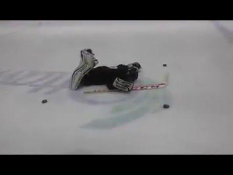 Butterfly Slide Rotation Drill... 10-Year-Old Goalie / Gardien âgé de 10 ans