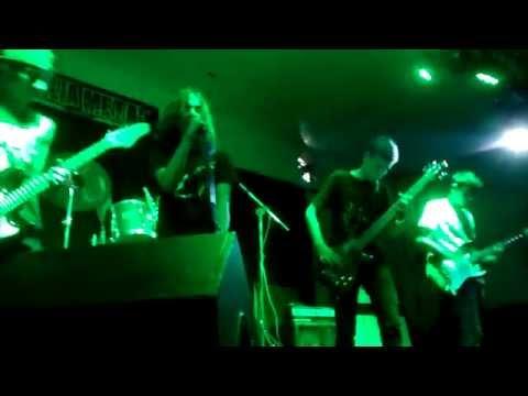 Brain Drain - California Sun (Ramones cover) - Carnaval Família Metal