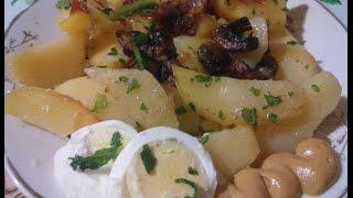 Вареная картошка запеченая с грибами