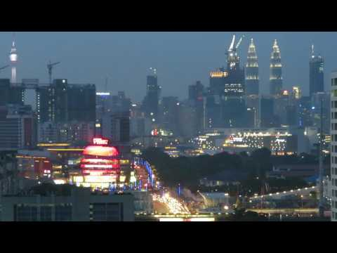 Skyline von Kuala Lumpur in Malaysia bei Nacht