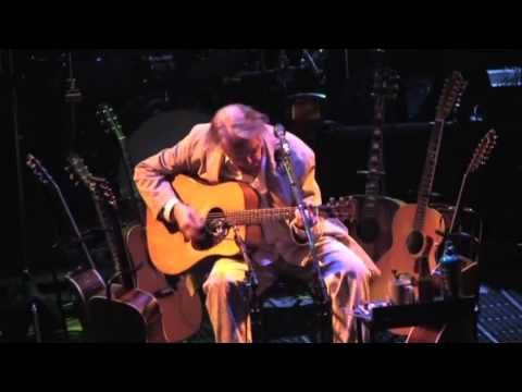 Neil Young - Cowgirl In The Sand (LIVE) - Massey Hall, Toronto, Ontario