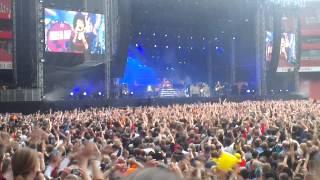 Video Green Day- I walk alone  Emirates Stadium June 1st 2013. download MP3, 3GP, MP4, WEBM, AVI, FLV Agustus 2017