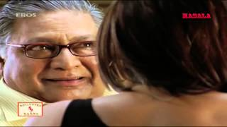 Neha Dhupia tries to seduce an oldy    De Dana Dan HD