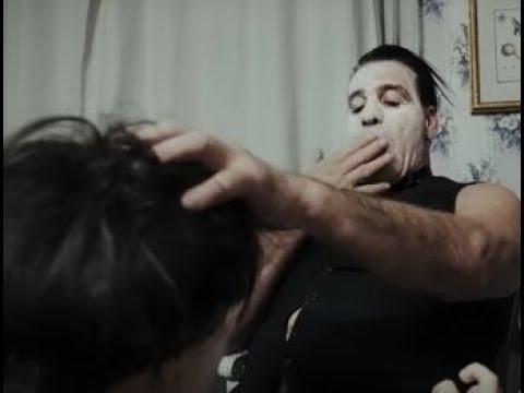 Россиянок,снявшихся в клипе Rammstein Тилля Линдермана затравили.Мне звонят,угрожают расправой