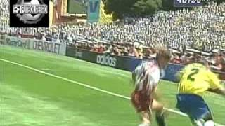 Download Video Brasil 1 vs Usa 0 Mundial Usa 1994 8° Final FUTBOL RETRO TV MP3 3GP MP4