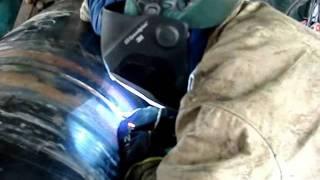 Wykonywanie przetopu metoda 136 STT II (Surface Tension Transfer).wmv(Spawanie przetopu metodą STT na rurze gazowej śr.700mm pod automat Sprzęt : źródło Lincoln Electric invertec STT Podajnik Lincoln Electric LF37., 2011-07-27T23:36:53.000Z)