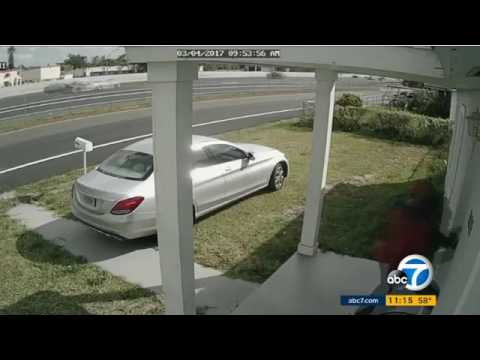Burglar kicking down a door and being greeted by a mother with a shotgun in Miami Gardens, Florida