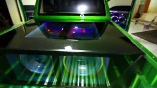 Repeat youtube video โชว์เครื่องเสียง 17500w ในรถเชฟสีเขียว