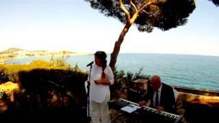 Sängerin Nermin auf Mallorca singt
