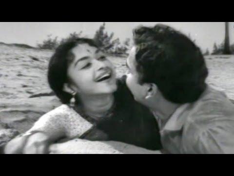 Pelli Kanuka Songs - Paaduta Marachedavaela - Nageshwara Rao, B.Saroja Devi