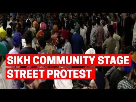 Sikh community stage street protest outside Mukherjee Nagar police station