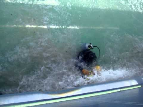 under water hull cleaning by diver yahia badawi 00971506157033