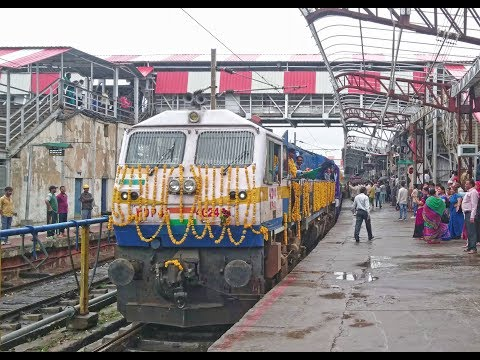 Historical Day For Bhopal !! Inaugural Run Of The Second Mahamana Express Of Indian Railways !!