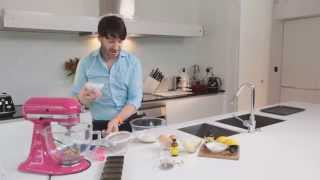 "Eric Lanlard's Warm ""petit"" Lemon & Cardamom Cake With Vanilla Bean Syrup"