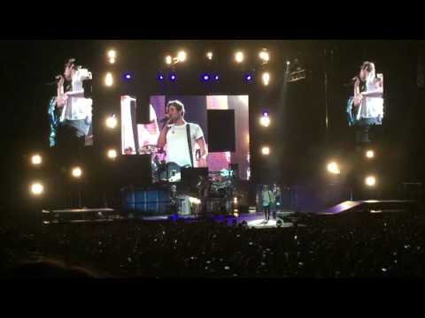 5SOS - Lose Yourself (Eminem Cover) Detroit 7/27/16