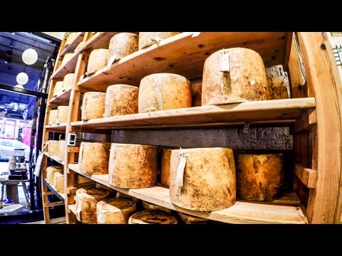 London Food Experience. The Amazing Neal's Yard Cheese Shop. Borough Market, London Bridge