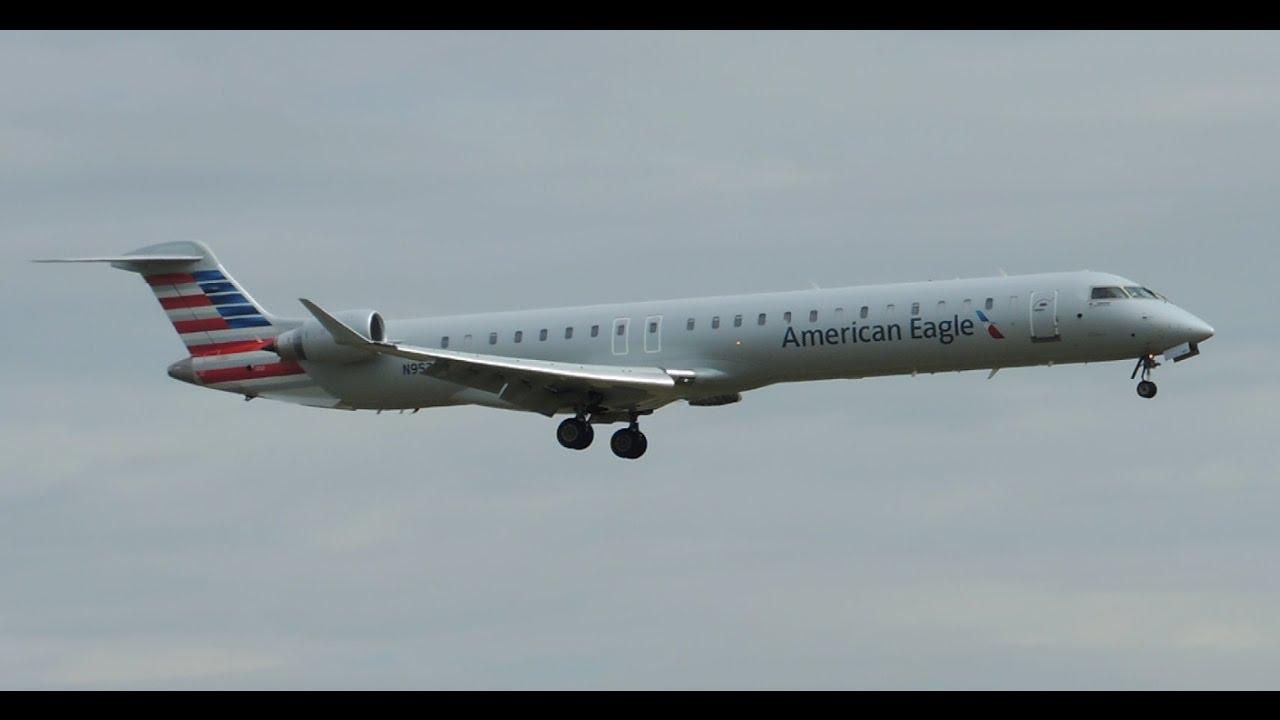 American Eagle Mesa Bombardier Crj 900 N952lr Landing