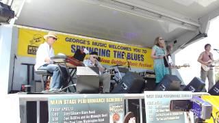 """Linda Grenville """"Finest Lovin Man"""" live 4/15/2012 022.MP4"""