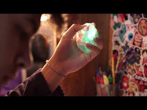 Light Up DNA Balls