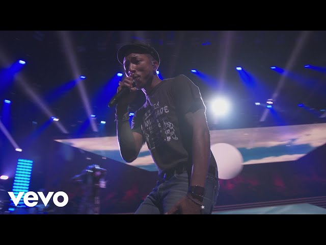 Pharrell Williams - Frontin' (Live from Apple Music Festival, London, 2015)