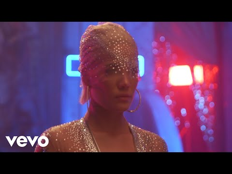 Halsey - Alone Behind The Scenes ft. Big Sean, Stefflon Don