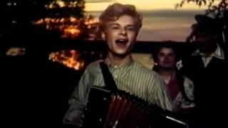 Если б гармошка умела Харитонов Esli B Garmoshka Umela Russian song
