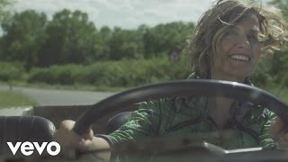 Смотреть клип Irene Grandi - Casomai