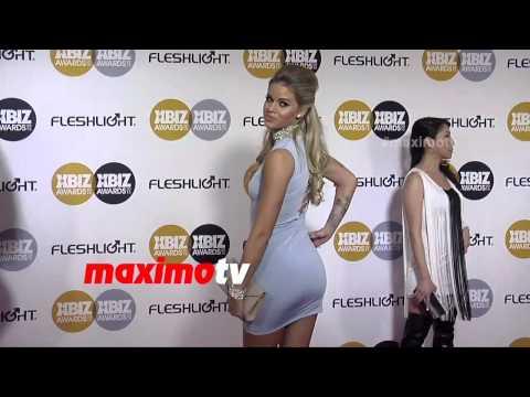 Jessa Rhodes   2015 Xbiz Awards   Arrivals   MaximoTV Broll