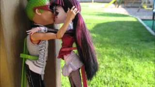 monster high stop motion and photoshoot(Cleo thinks Deuce will be hers forever! But Deuce has been a player and was caught kissing all the other ghouls at monster high! This is our first stop motion!, 2011-05-01T15:15:42.000Z)