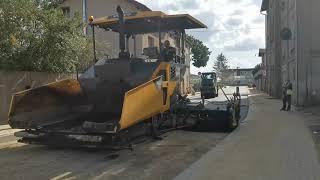 Na remontowanej ul. Boya-Żeleńskiego położona jest już pierwsza warstwa asfaltu