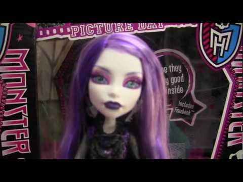Monster High Picture Day Dolls Review Abbey Bominable, Spectra, Draculaura Cleo de nile!!!