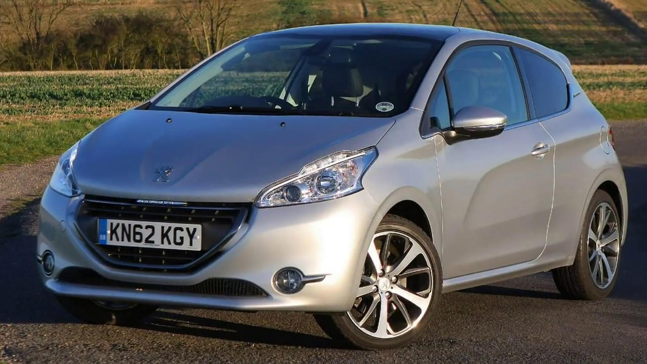 Peugeot 208 2018 Car Review Youtube