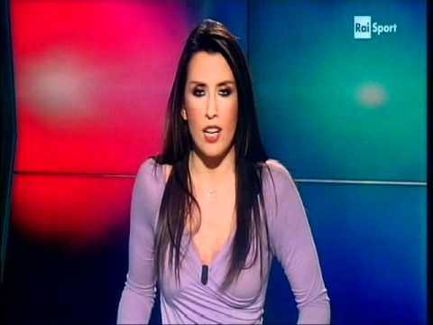 Simona Rolandi Tg Rai Sport 18 Novembre 2011 - YouTube