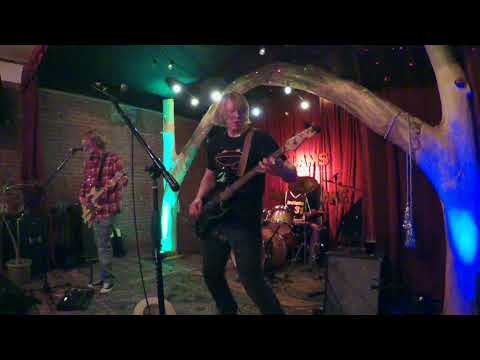 Clams - Live at The Root Note (La Crosse, WI)