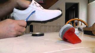 Gambar cover How to Polish White Golf Shoes