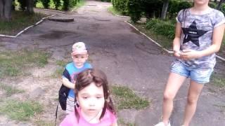 ЧЕЛЛЕНДЖ Пол ЗЕМЛЯ это Лава ПОПУЛЯРНАЯ Игра Для детей Пол это лава Видео для всей семьи