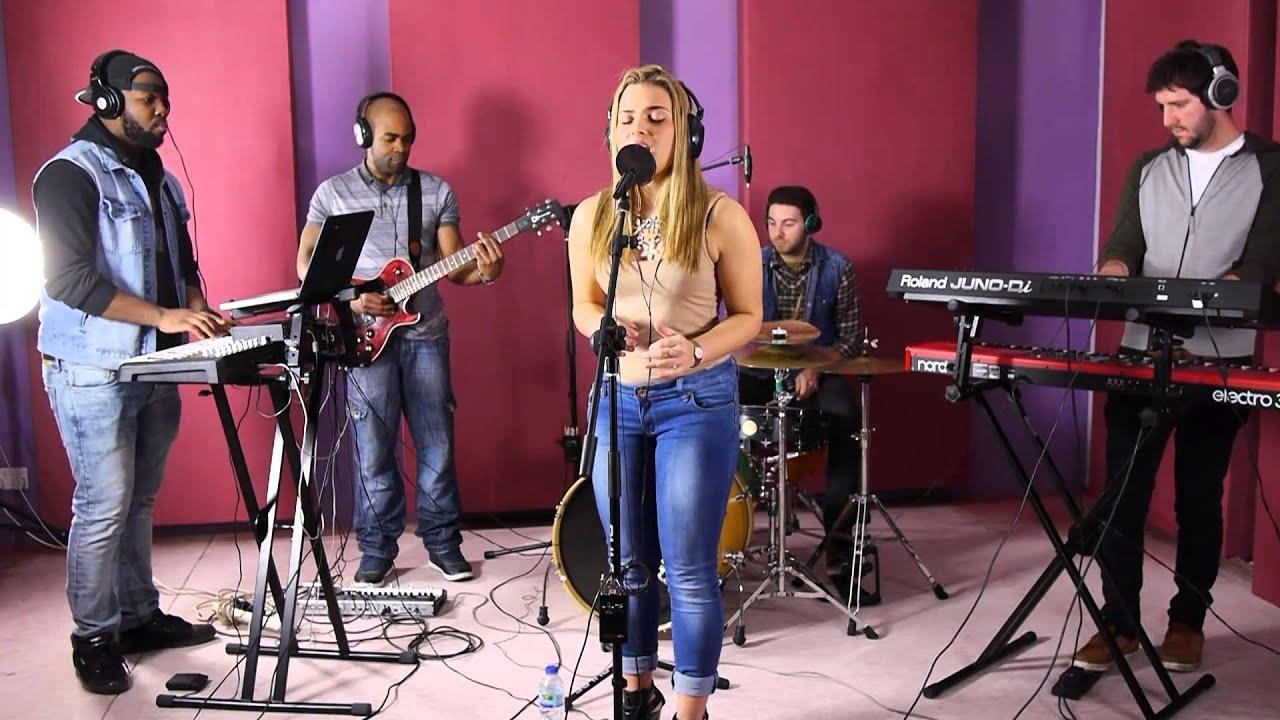Roar (Katy Perry) - Jade Mayjean Peters sings at Lindosland