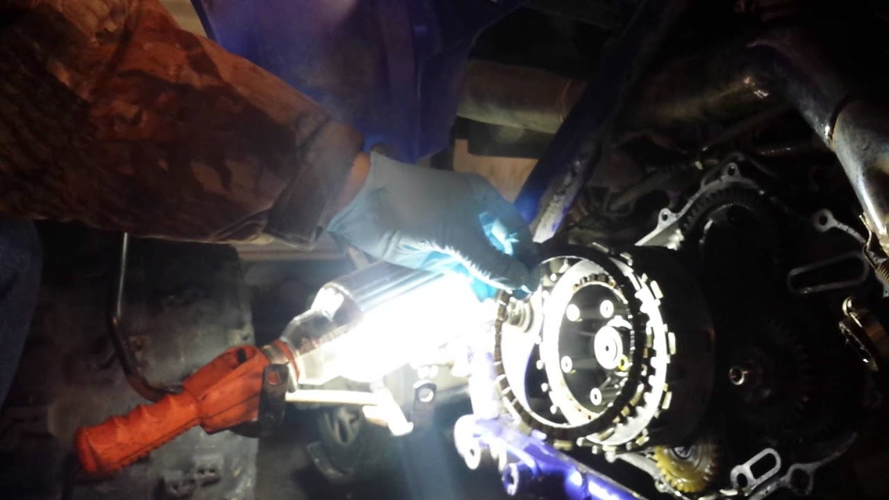 Replacing The Clutch On A Yamaha Raptor 660 4 Of 5 Youtube