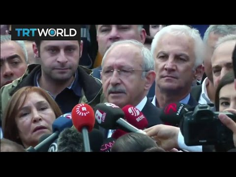 CHP leader Kemal Kilicdaroglu votes in Turkey's referendum